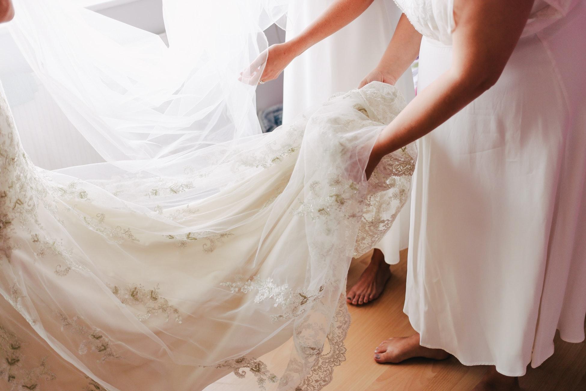 Brautkleid Gesucht Schon Und Trotzdem Preiswert Perpsektief