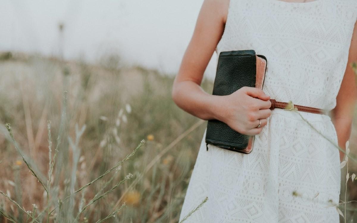 9 modetipps für kleine frauen und den großen auftritt
