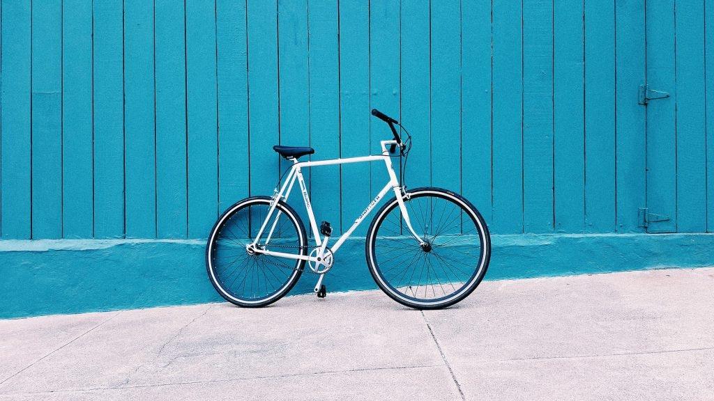 Strandfigur durch Cycling-Einheiten