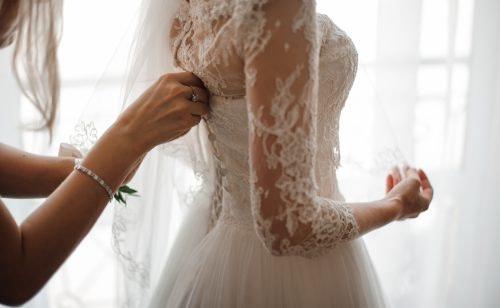 Günstige Brautkleider: dein Traumlook unter 100€