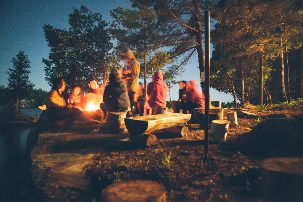 Günstig campen mit Freunden